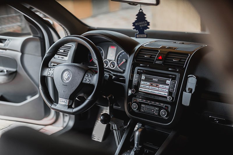 A Proper Guide on How to Install a Dual Car Stereo